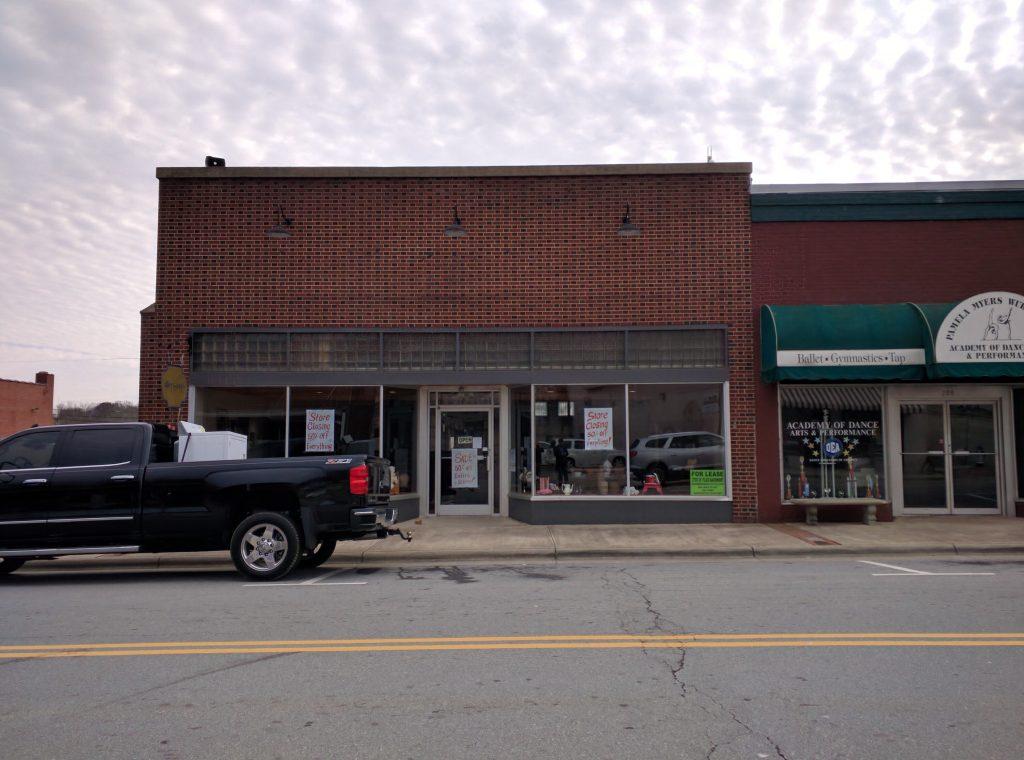 206 East Main St, Elkin
