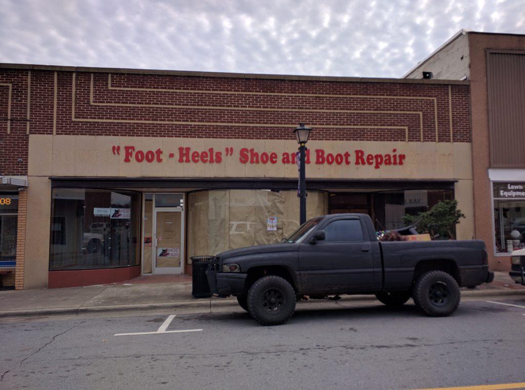 112 East Main St, Elkin